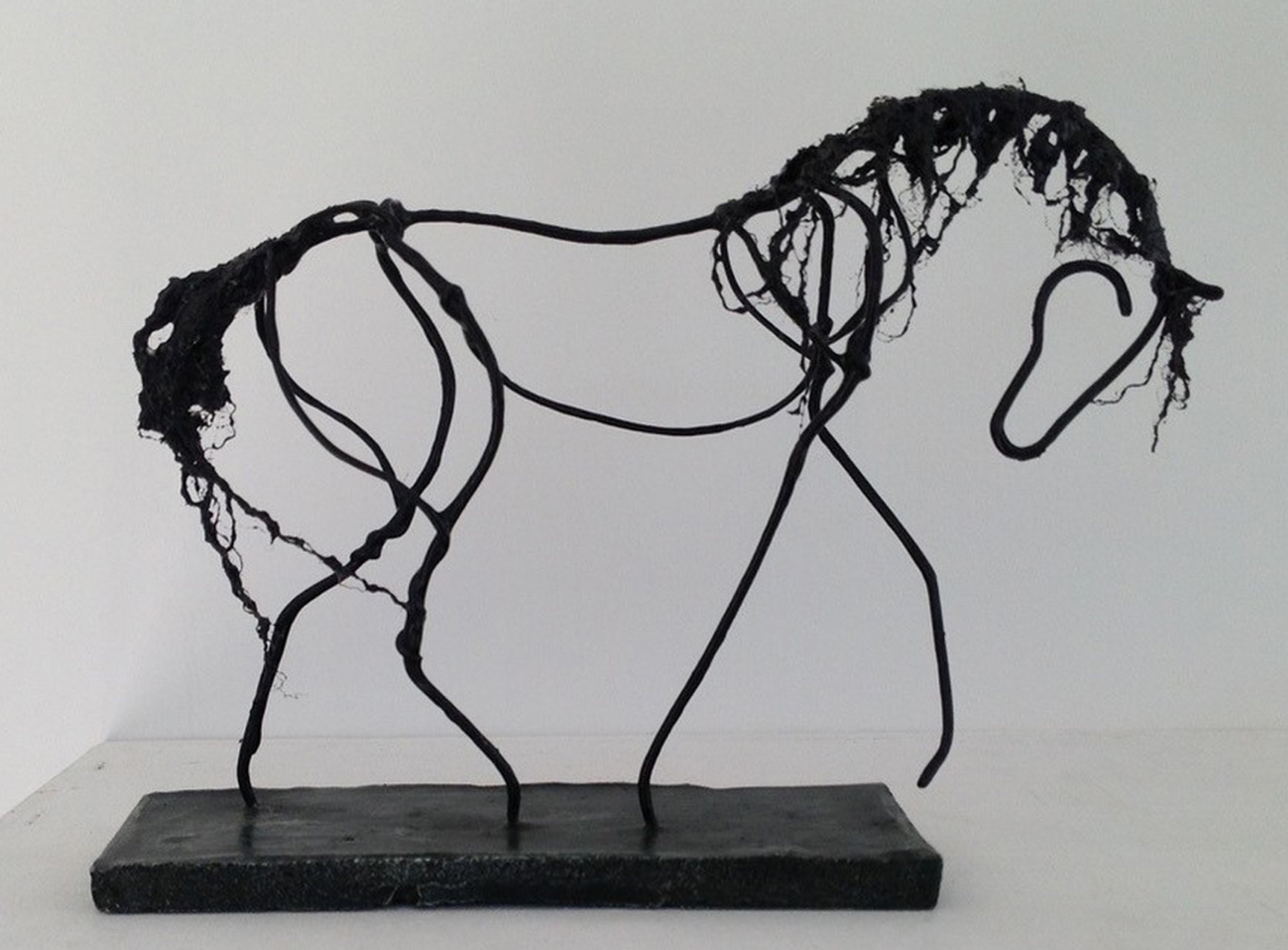 Image of horse made of wire